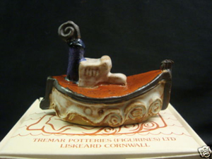 Tremar Pottery Ships - Fishing Boat - Photo by dolly_33 on www.ebay.co.uk
