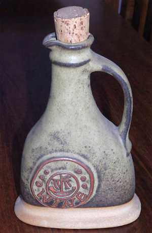 Tremar Wine Flagon/Carafe - 23 cm/9 inches tall - Photo by alifox1 on www.ebay.co.uk
