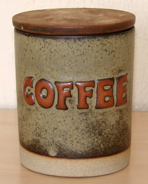 Tremar Pottery - Container, Coffee - Medium Color Brown or Beige - Photo by 6965pauline on www.ebay.co.uk