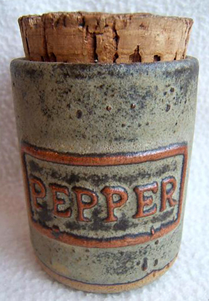 Tremar Pottery - Storage Jar for Spices - Pepper - Photo by chinafinda1 on www.ebay.co.uk