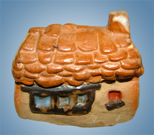 Tremar Pottery Little Building Series - Moorland Cottage - Back - Photo by diphidi on www.ebay.co.uk