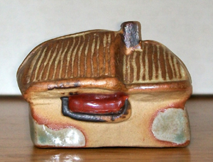 Tremar Pottery - Little Building Series - Thatched Cottage - Back