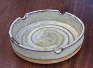 Tremar Pottery - Ashtray - 6 inches (15 cm) Diameter, 1.4 inches (3.5 cm) High - Photo by alifox1 on www.ebay.co.uk