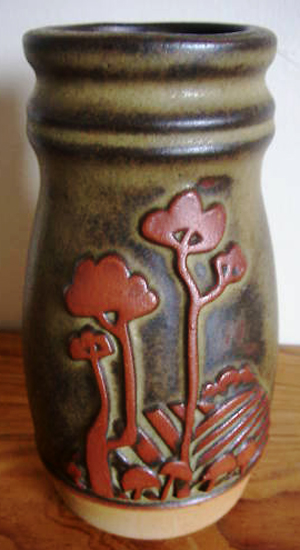 Tremar Pottery Tree Design Vase - 15 cm/6 inches tall, 7.5 cm/3 inches diameter - Photo by pilgrim-lee on www.ebay.co.uk