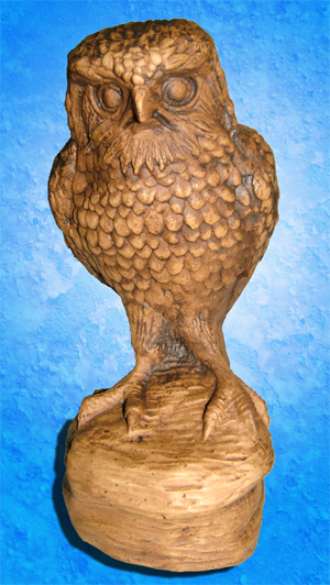 Tremar Pottery Merlin (A Type of Hawk) Front - A rare and interesting animal by Tremar Potteries. - Photo by diphidi on www.ebay.co.uk