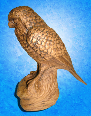 Tremar Pottery Merlin (A Type of Hawk) Side - A rare and interesting animal by Tremar Potteries. - Photo by diphidi on www.ebay.co.uk